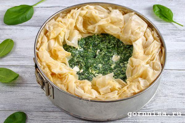 Греческий пирог со шпинатом и сыром фета