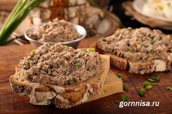 Бутерброд с паштетом тунца  https://gornnisa.ru/