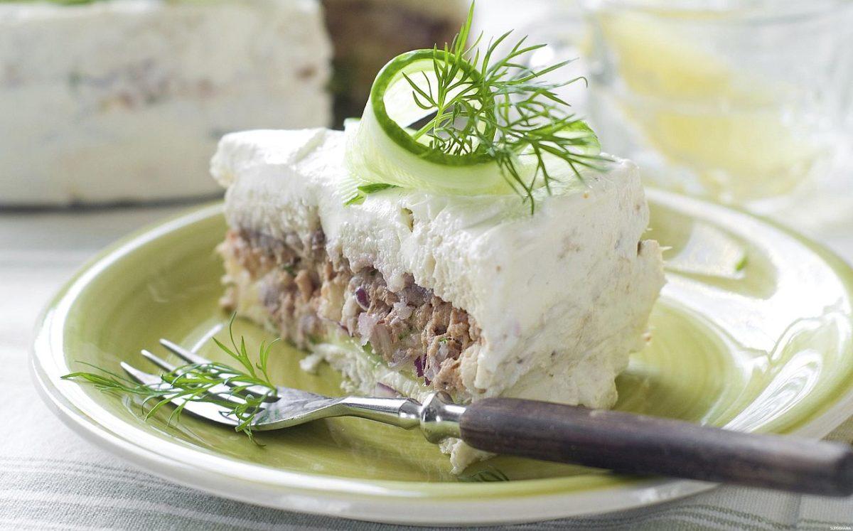Быстрый пирог с рыбой без выпечки 1