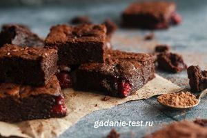 Быстрый пирог «Вишня в шоколаде»