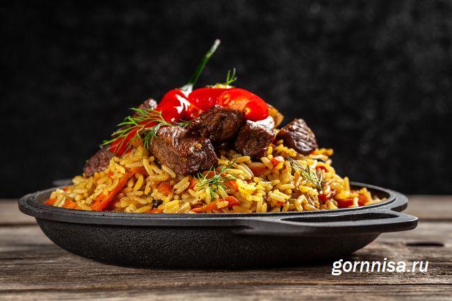 Вкусный жареный в помидорах рис по-турецки - интересный рецепт - https://gornnisa.ru/
