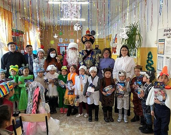 Сергей Зверев в школе интернате село Шимкино